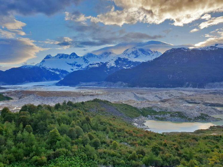 Utilizan Reach RS+ para investigar desbordes de lagos glaciares en la Patagonia chilena